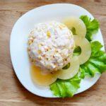 Салат с курицей, ананасом и кукурузой - фото к пошаговому рецепту
