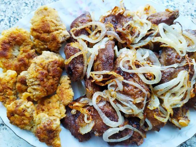Куриная печень на сковороде