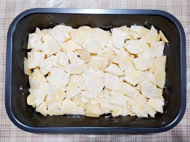 Выкладываем картошку в форму
