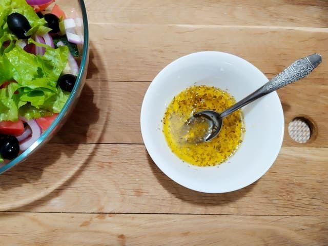 Заправка для салата по-гречески