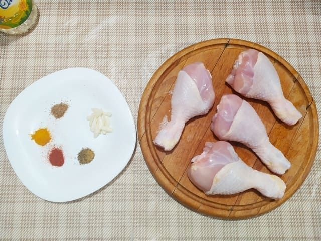 Куриные голени и специи