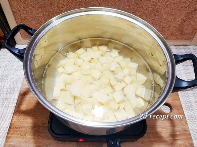 Варим картошку