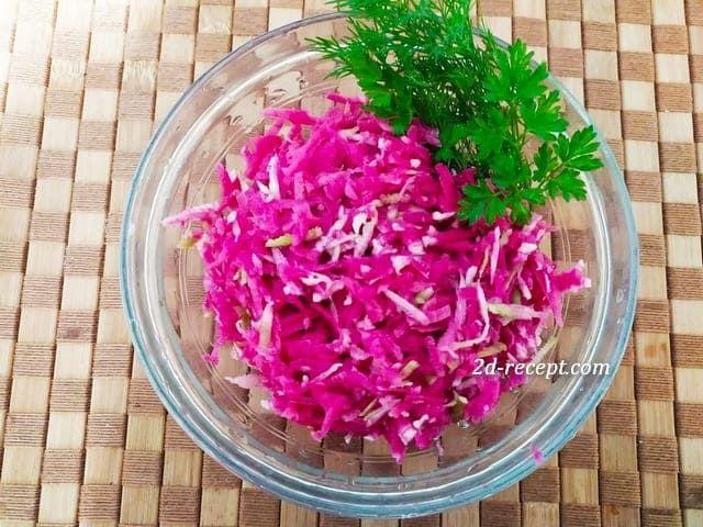 Салат из красной редьки