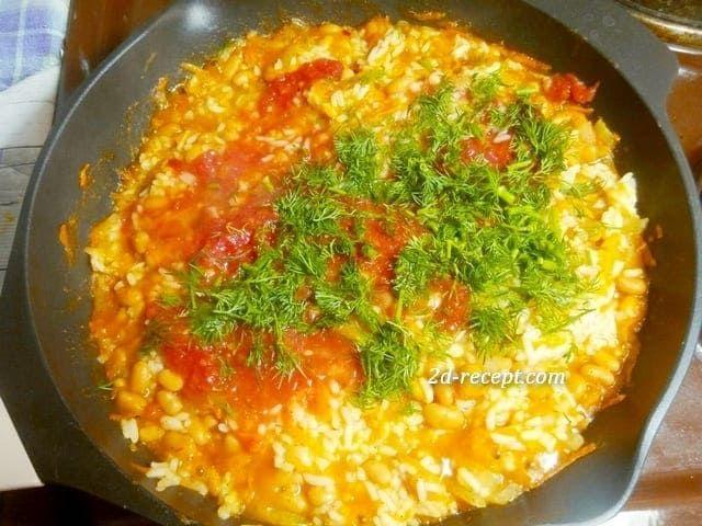 Рис с фасолью в томате