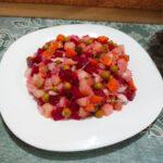 Винегрет с квашеной капустой и горошком - фото к пошаговому рецепту
