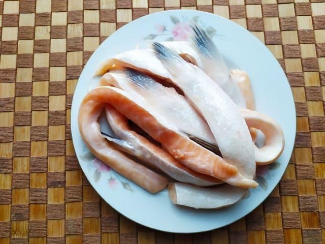 Брюшки лосося размороженные и промытые
