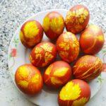 Как покрасить яйца в луковой шелухе - фото к пошаговому рецепту