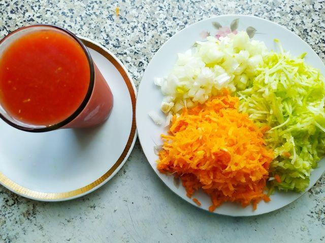 Томатный сок с измельченными овощами