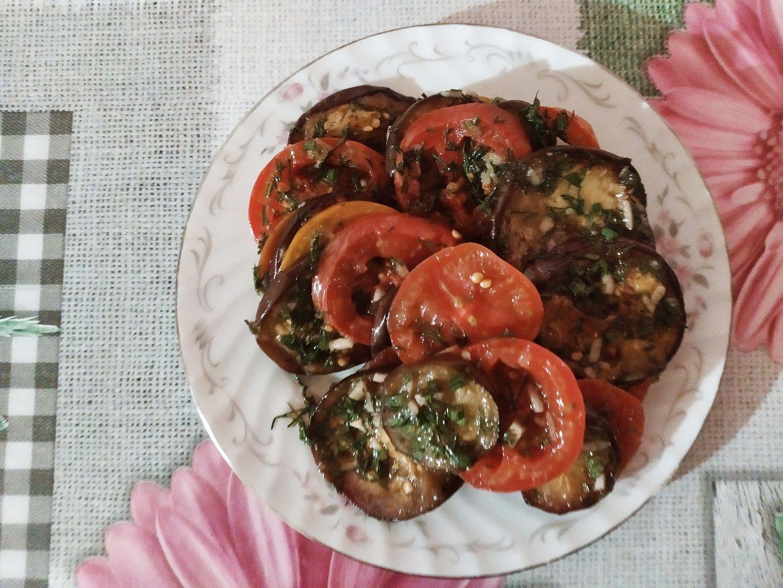 Баклажаны с помидорами малосольными